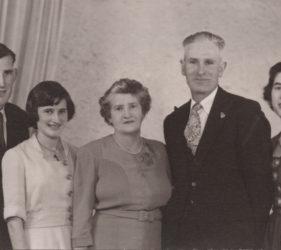 Peter, Eileen, Floss, Charlie & Clare Abbott