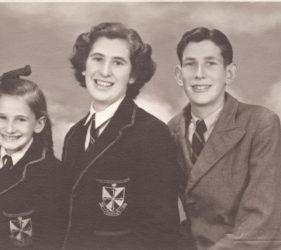 Eileen 9yo, Clare 16yo, Peter 14yo Abbott